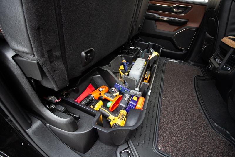 Keep your tools organized inside the DU-HA